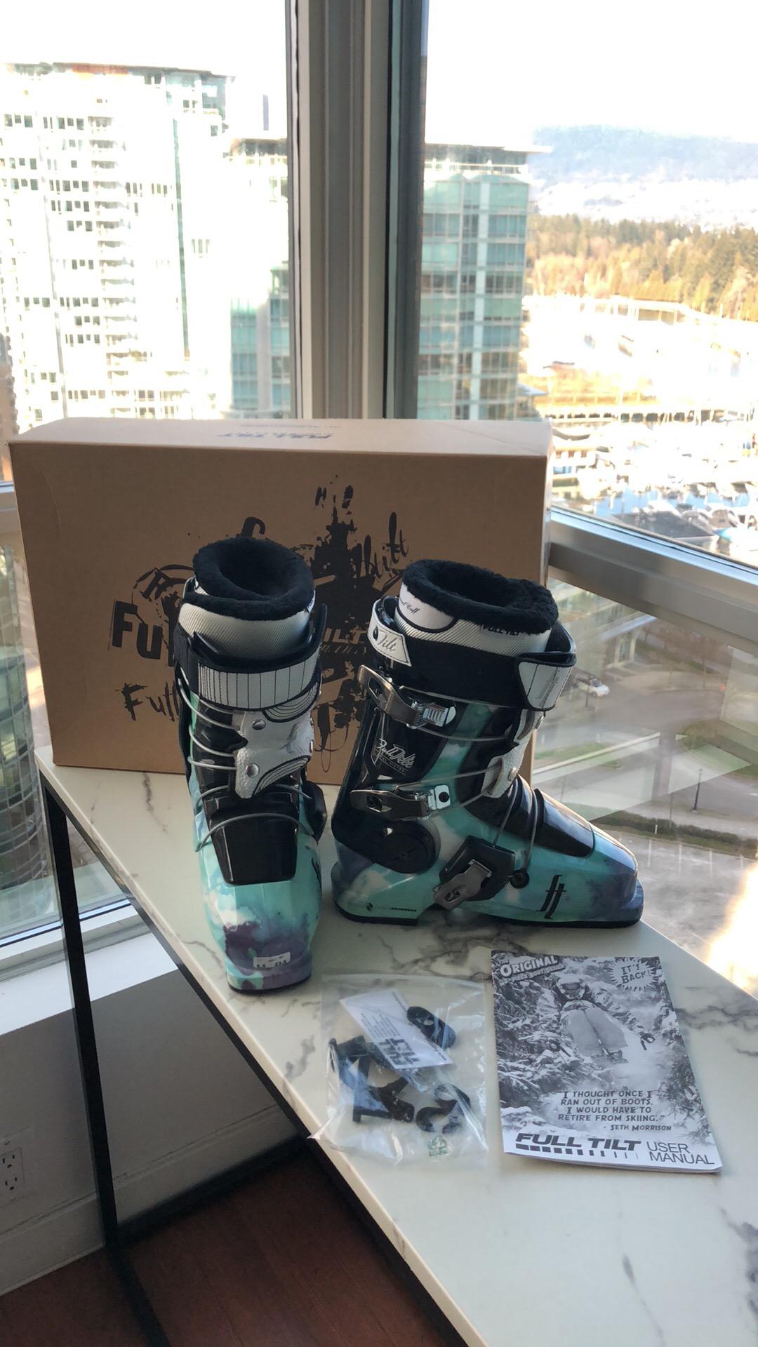 Brand New Women's Full Tilt Ski Boots - Size 23.5