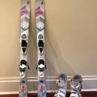 Volks Chica 100 cm skis + matching Rossignol Boots